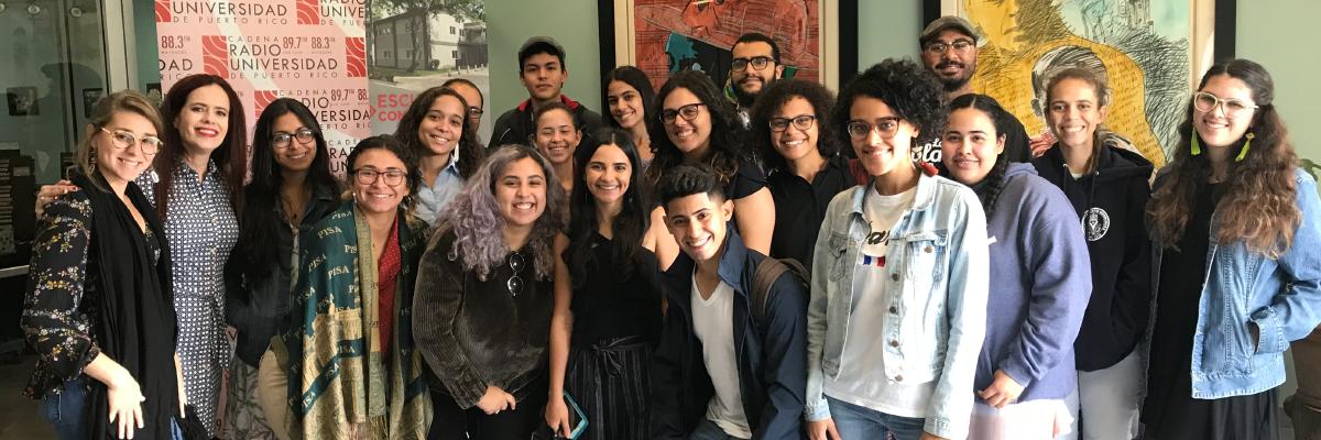 Visita del curso de la Dra. Mariliana Torres a Radio Universidad