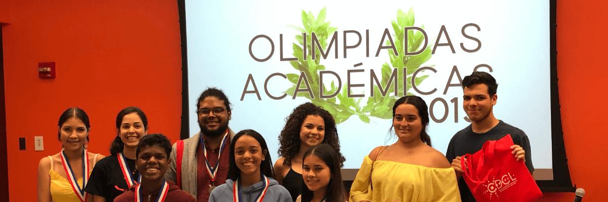 Estudiantes de la Escuela de Comunicación arrasan en la Competición Lingüística